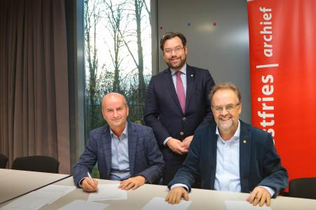 Ondertekening contract voor Westfries eDepot